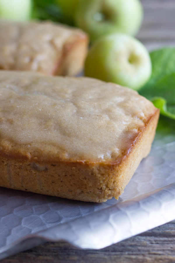 Apple Cinnamon Oatmeal Bread - soft and moist, and bursting with apple ...