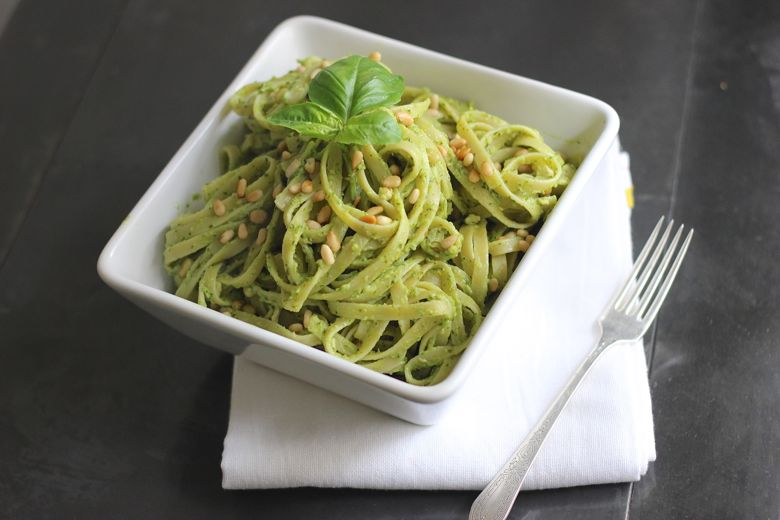 Avocado Pesto Linguine in a bowl.