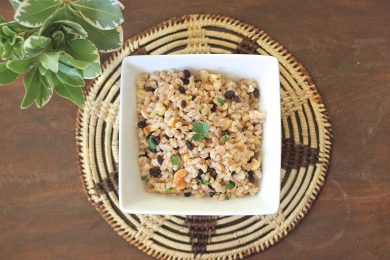 Farro with Cashews and Currants in a serving dish.