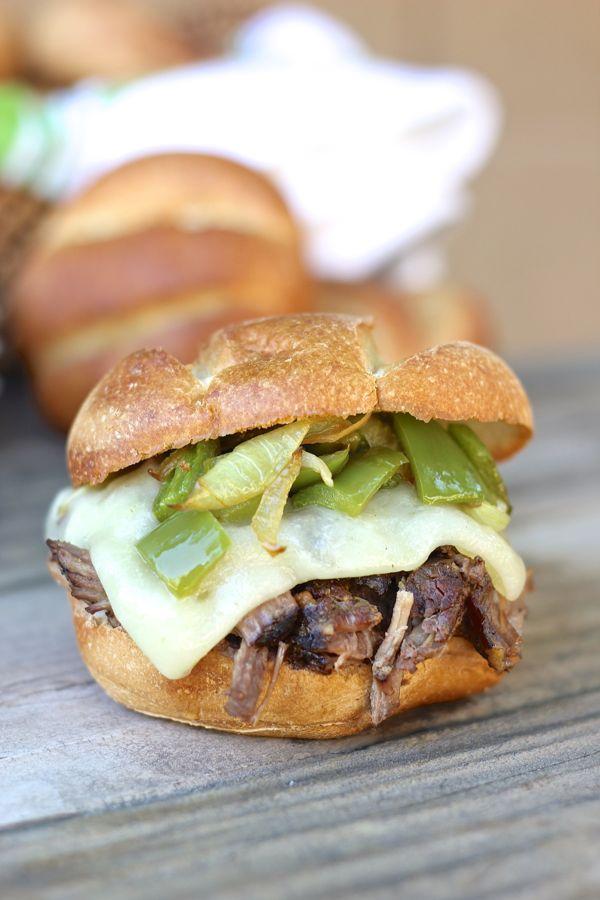 Crockpot Shredded Beef Sandwich
