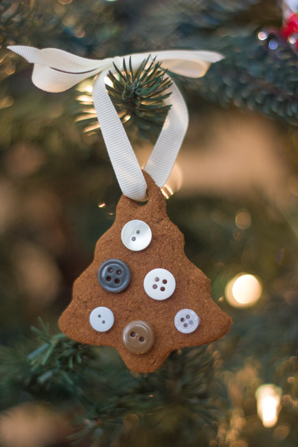 Button Tree Ornament made with the Cinnamon Applesauce Dough.