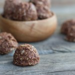 Chocolate Almond Energy Bites - like those no-bake cookies you loved as a kid, only a little healthier.