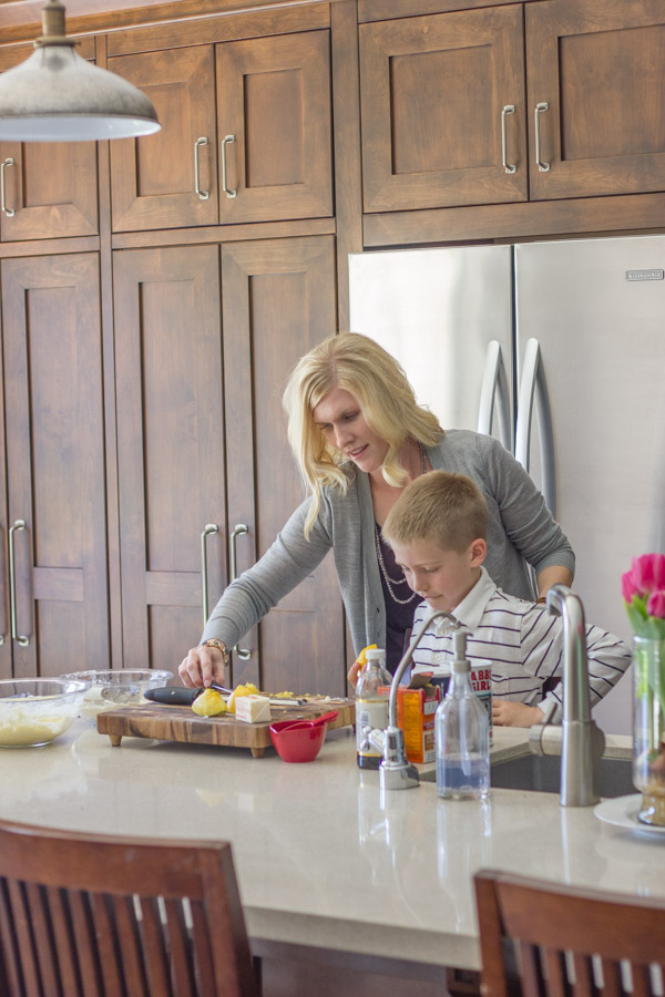 The benefits of inviting your kiddos into the kitchen with you