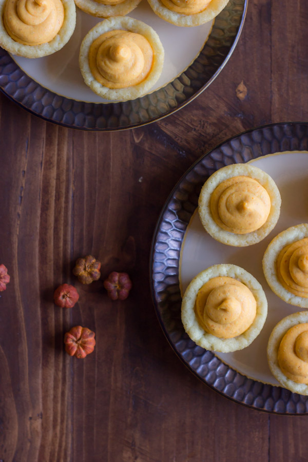 Easy Mini Pumpkin Pie Tarts on two plates.