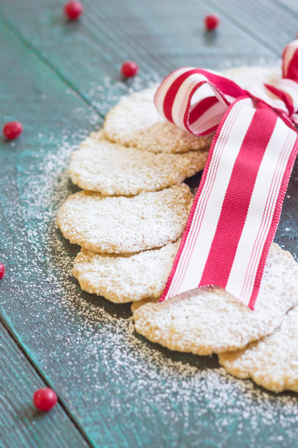 Christmas Oatmeal Cookies - Easy to make with only five ingredients.