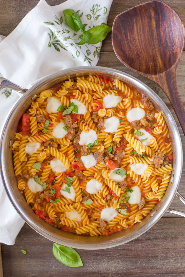 One Pot Fusilli With Tomato, Basil, and Mozzarella in a large pan.