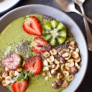 Strawberry Kiwi Protein Smoothie Bowl - This smoothie bowl, packed with fruits and veggies and 25 grams of protein (without powders), will keep you going all morning long!
