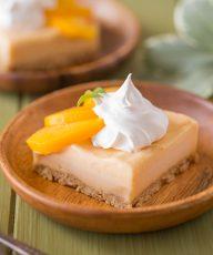 An easy, refreshing peach ice cream dessert made with fresh peaches and a graham cracker crust!