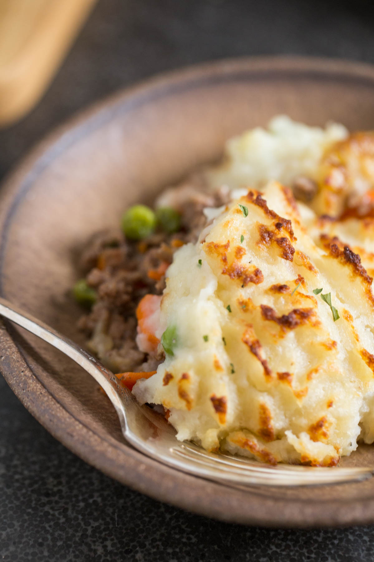 Thanks to a couple of shortcuts, this Easy Homemade Shepherd's Pie is a new weeknight dinner family favorite! Perfect for cozy winter nights.